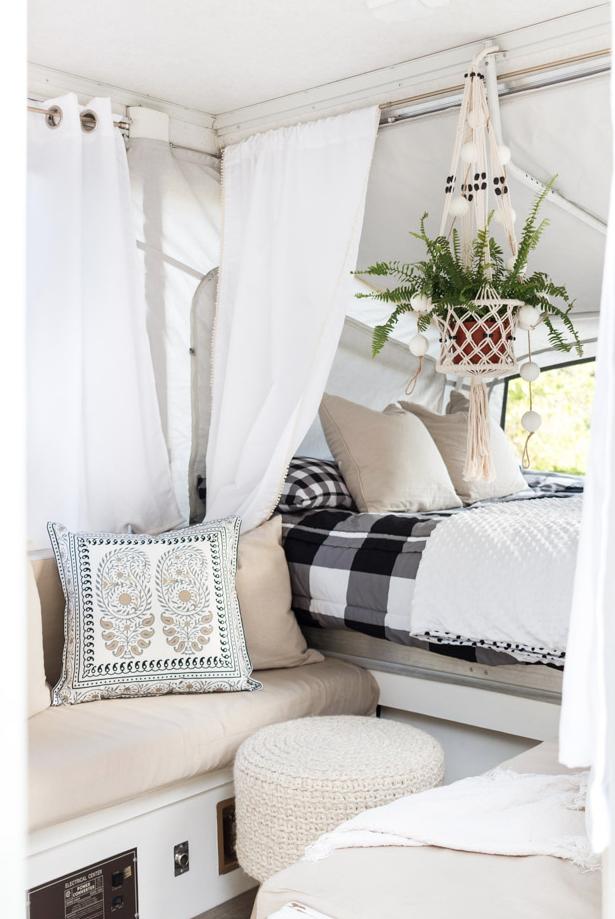 der klappwohnwagen f hrt unter den campingfahrzeugen eher. Black Bedroom Furniture Sets. Home Design Ideas