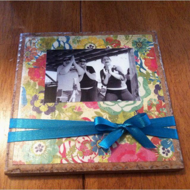 Small Kitchen Gift Ideas: Kitchen Tile Photo Gift Idea! Take A Small Tile Found At