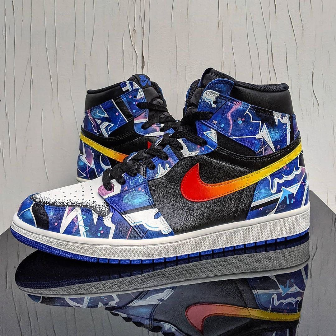 Gladys angustia compañera de clases  Jordan 1 Graffiti Galaxy customs