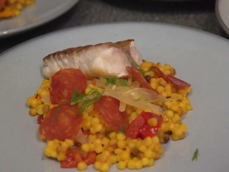Rotbarsch Loin | Fregola Sarda | Mediterranes Gemüse | Salsiccia - Rezept
