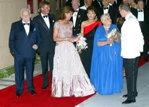 2002 - Arrivals at the Red Cross Ball