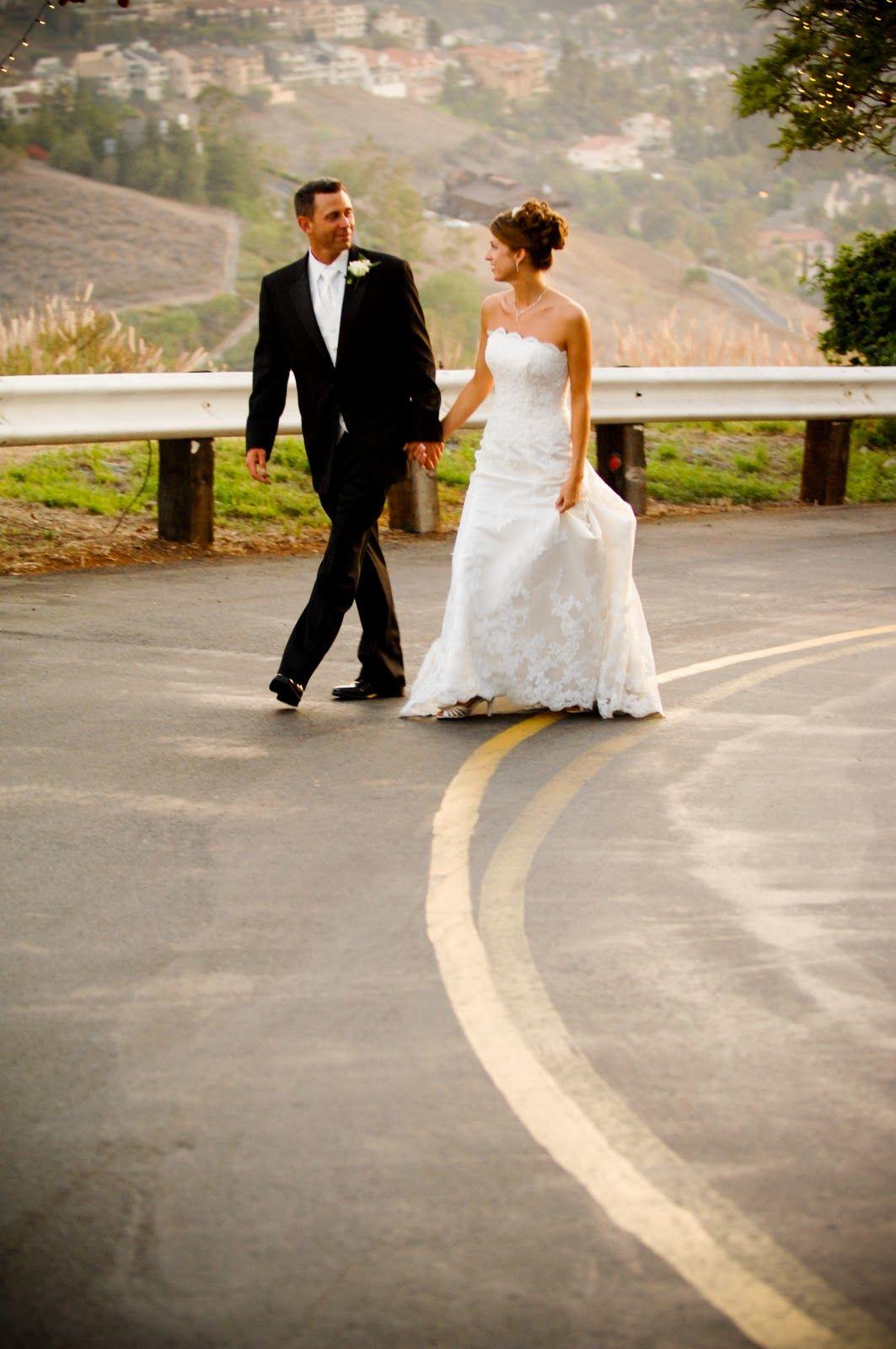 Invite and delight weddingdifferent wedding ideas one day