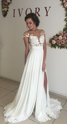 Trending  Summer Beach Chiffon Wedding Dresses Lace Top Side Slit Garden Elegant Bridal Gowns