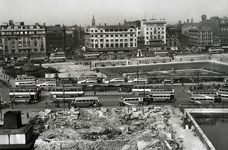 Piccadilly Gardens at War