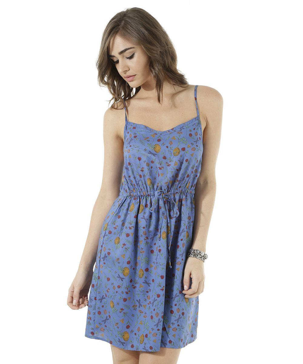 cd0ac0979 Esse vestido foi confeccionado em malha de toque macio. O modelo tem  padronagem floral diferenciada