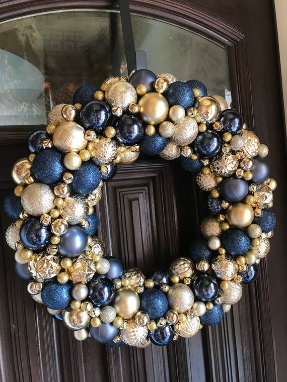 Gorgeous Navy and Gold Ornament Christmas Wreath! Bauble wreath! Holiday Wreath! Super detailed Ornament Wreath #baublewreath