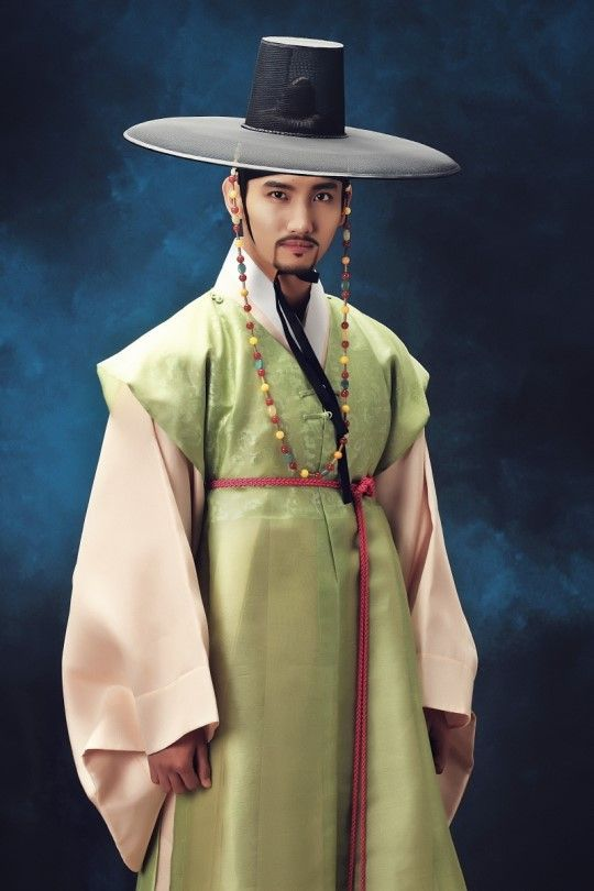 Character stills for Scholar Who Walks the Night