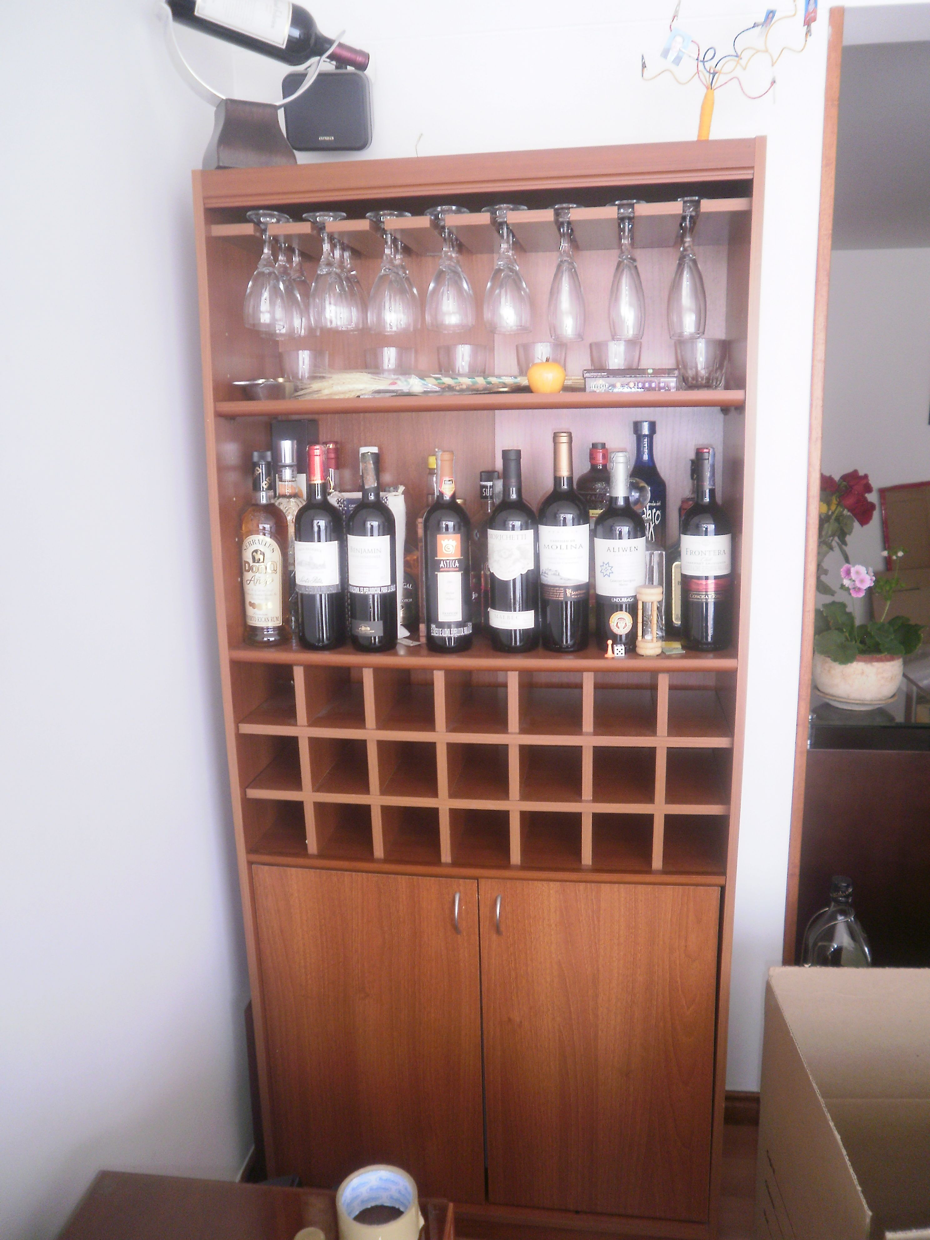 Muebles para bar buscar con google home pinterest for Bar licorera de madera para sala