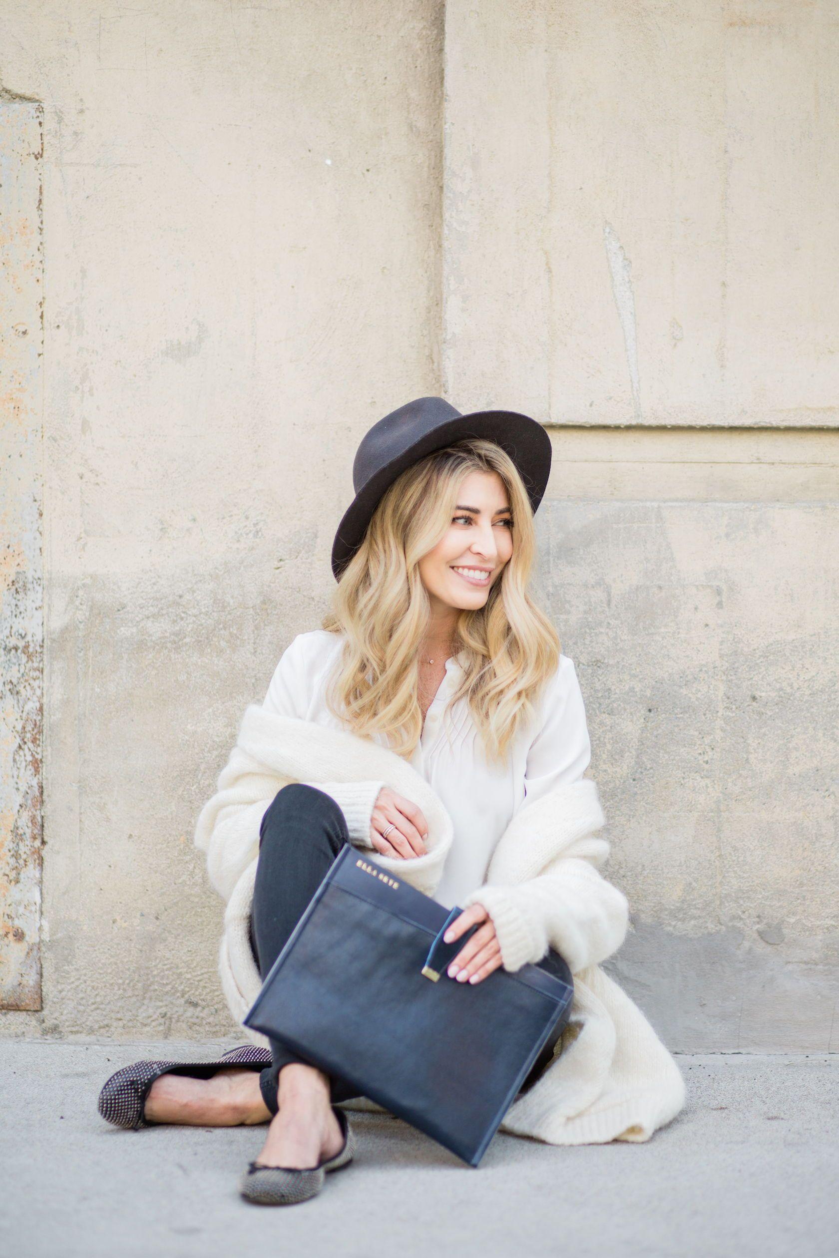 Modern brand photos for tech accessories brand Elle Skye