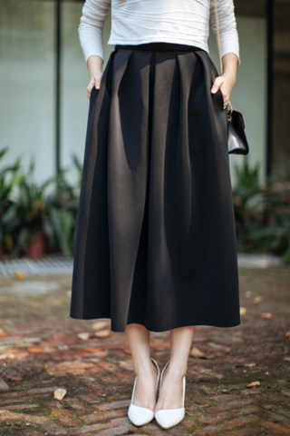 Pleated Maxi Skirt With Pockets - Black