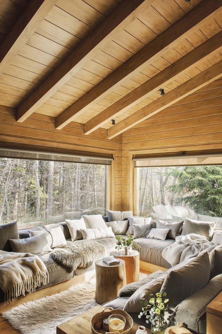 Дизайн загородного дома, декор гостиной в «деревенском» стиле