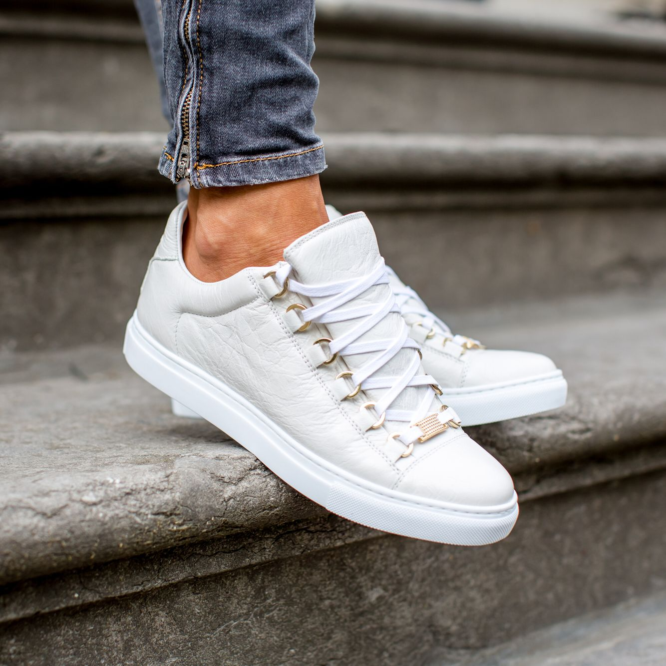 low price order online timeless design MUSTBUYONE.COM in 2019 | Balenciaga shoes mens, Sneakers ...
