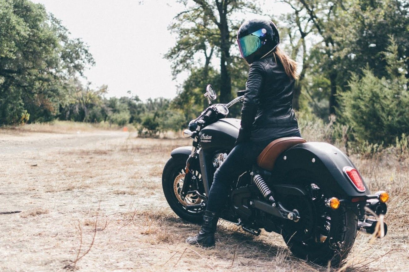 Indian Scout Motorcycle Review Moto Lady Indian Motorcycle Scout Indian Scout Indian Motorcycle [ 867 x 1300 Pixel ]