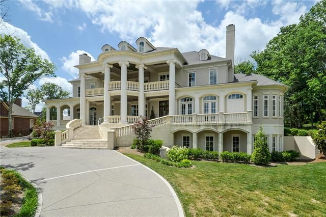 Classic Features Antebellum Style Home Architecturally