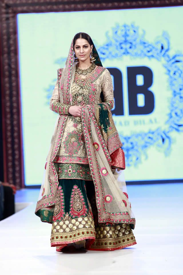 e5a9bba7b Latest Wedding Bridal Sharara Designs   Trends 2019-2020 Collection ...
