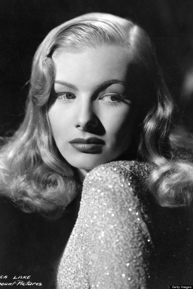 Veronica Lake (A publicity shoot in Hollywood, 1945)
