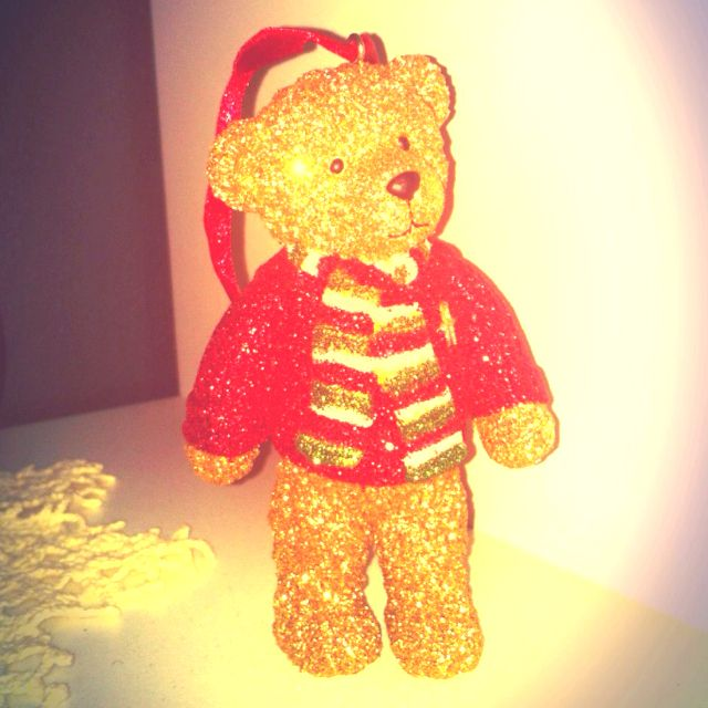 Harrod's teddy for christmas - one of my dearest pieces of decoration <3