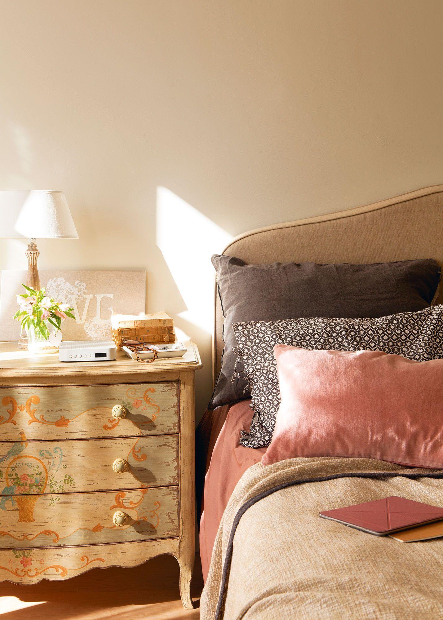 Excepcional Cama Muebles Mesita Ideas Ornamento Elaboración ...