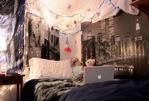 Nyc Theme Room Tumblr Bedroom W Hanging Lights
