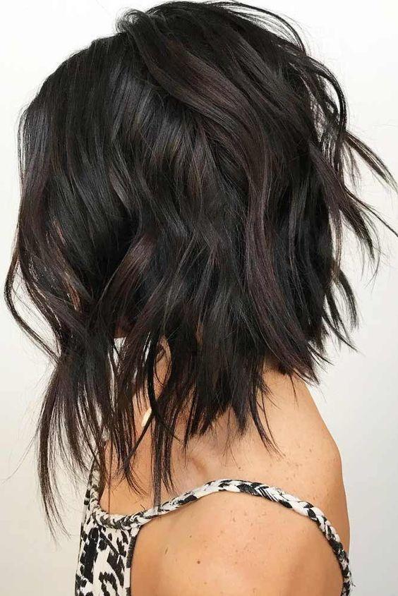 Fantastic Layered Medium Length Haircut Medium Length Hair With Layers Hair Styles Choppy Bob Haircuts