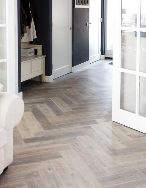 Houten vloer visgraat gerookt witte olie via uipkes for Witte vloer