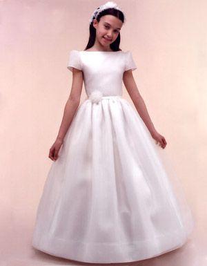 Didal Dor Realiza Diseños De Vestidos De Comunión A Medida