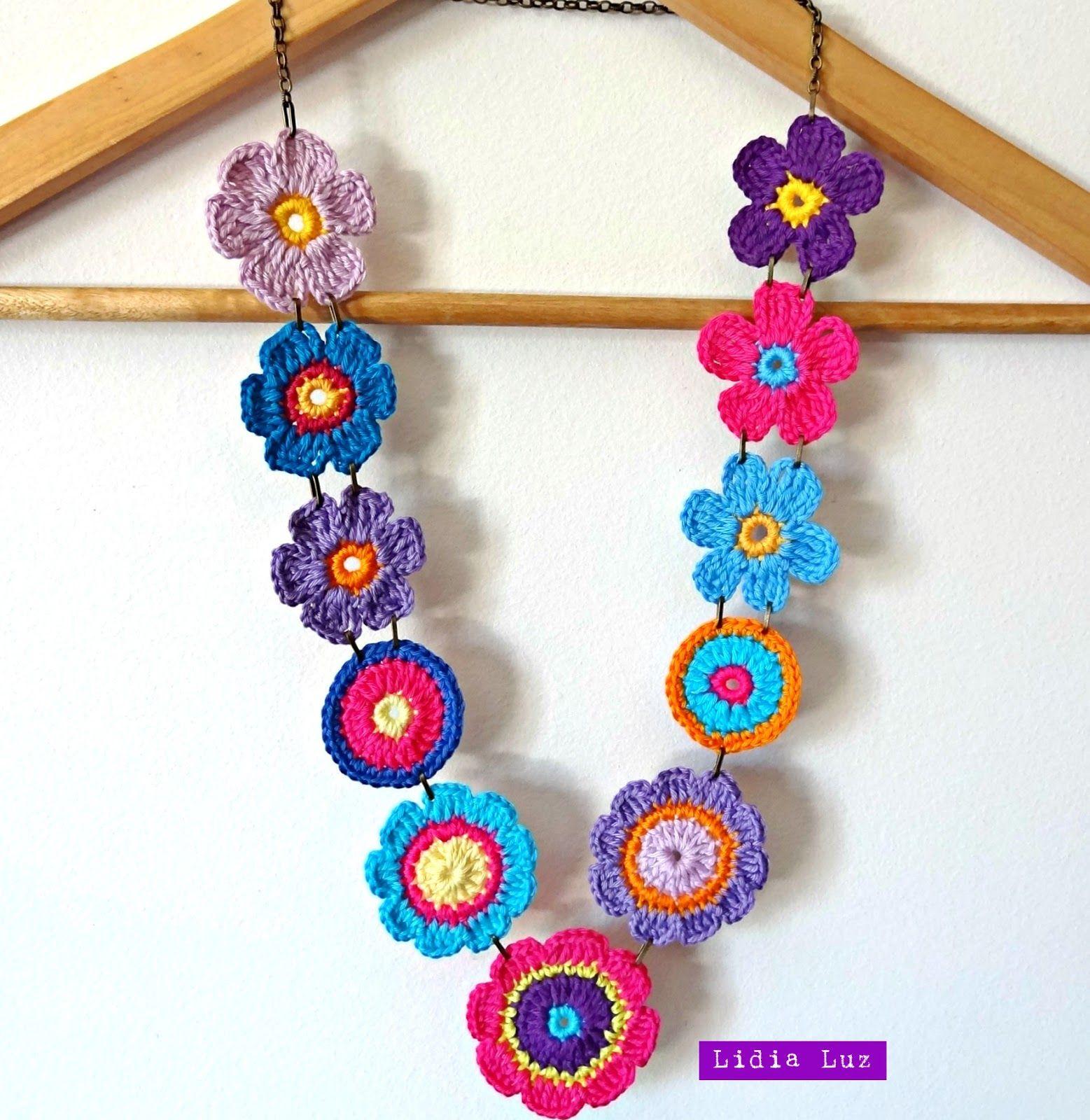 Lidia Luz: Bloco das Flores, colar de crochê … | Pinteres…