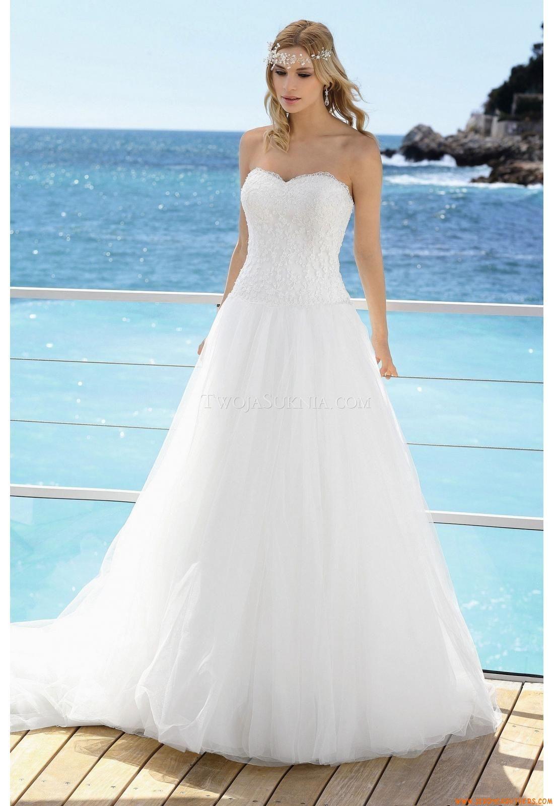 Best beach wedding dresses  Trouwjurken Affinity Bridal Beth   trouwjurken outlet almere