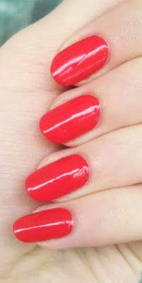 Лак для нігтів Essie  #essie #nailpolish #nails #manicure #naillaquer #red