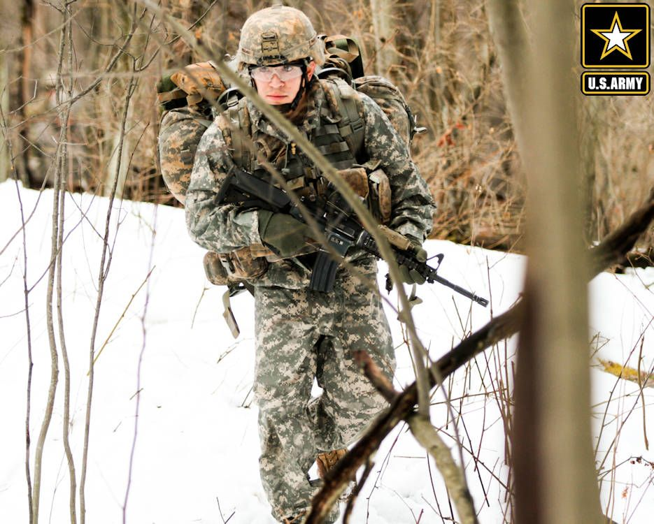 A Soldier Assigned To 3rd Squadron 71st Cavalry Regiment 1st Brigade Combat Team 10th Mountain Division Moves Thro 10th Mountain Division Soldier Fort Drum