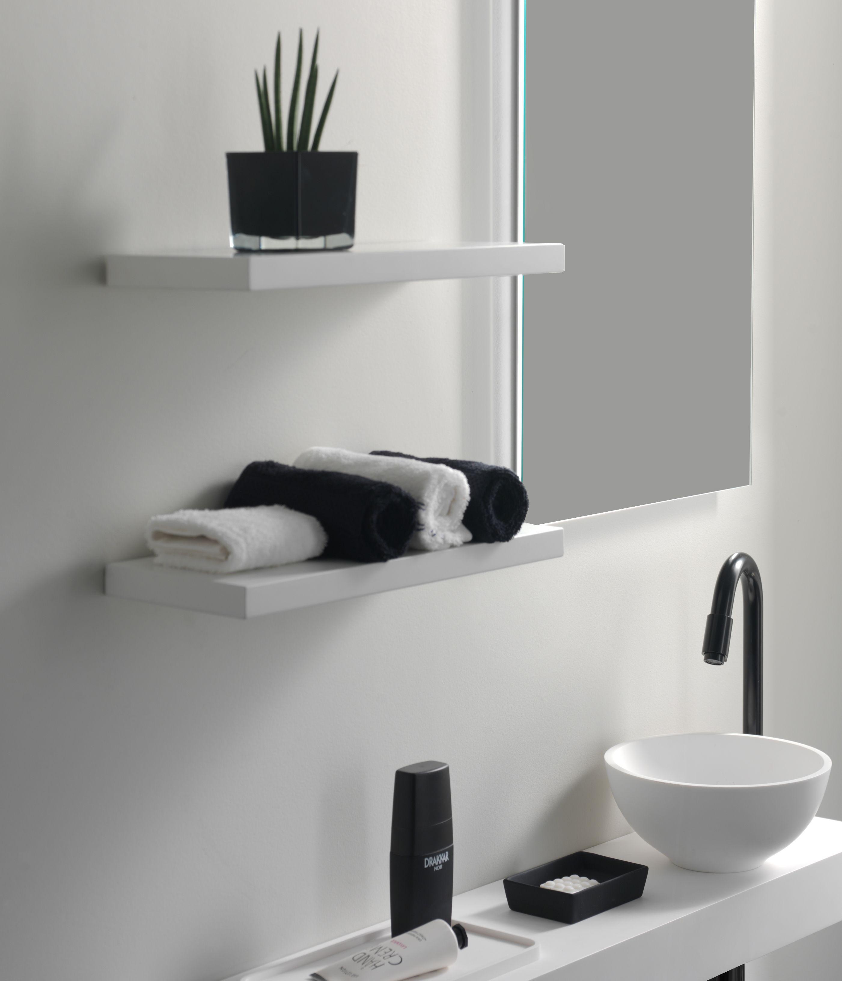 X2O | Balmani Stricta Mitra wit mat wandlegboord. Een ideale plek om ...