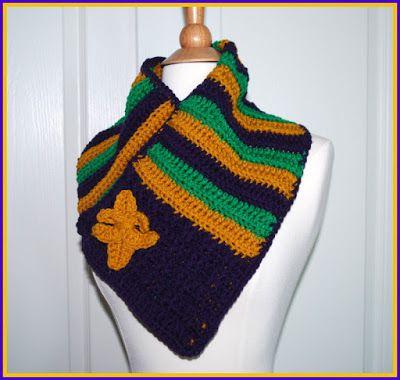 Mardi Gras Cowl With Fleur de Lis Pin Crochet Pattern