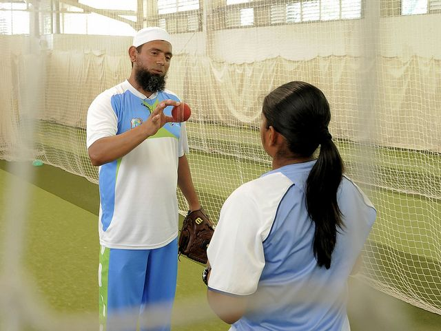 Saqlain Mushtaq shows Anisa Mohammed how it is done.
