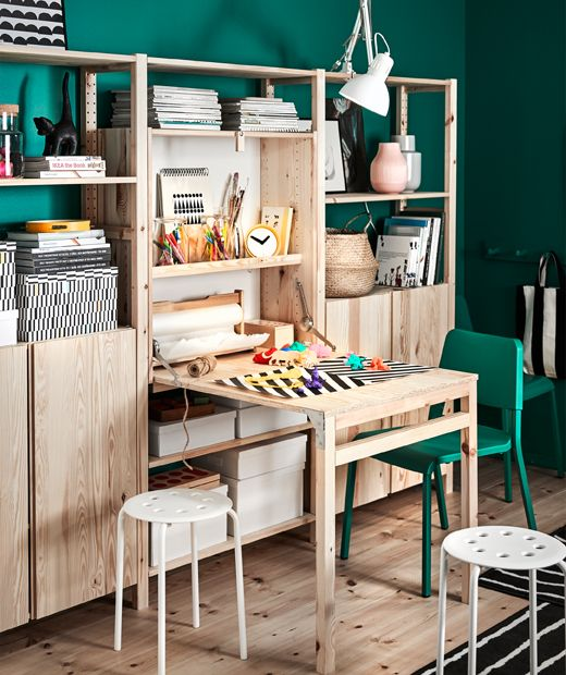 ein flexibler spielplatz im wohnzimmer der tisch bei diesem ivar regal l sst sich ausklappen. Black Bedroom Furniture Sets. Home Design Ideas