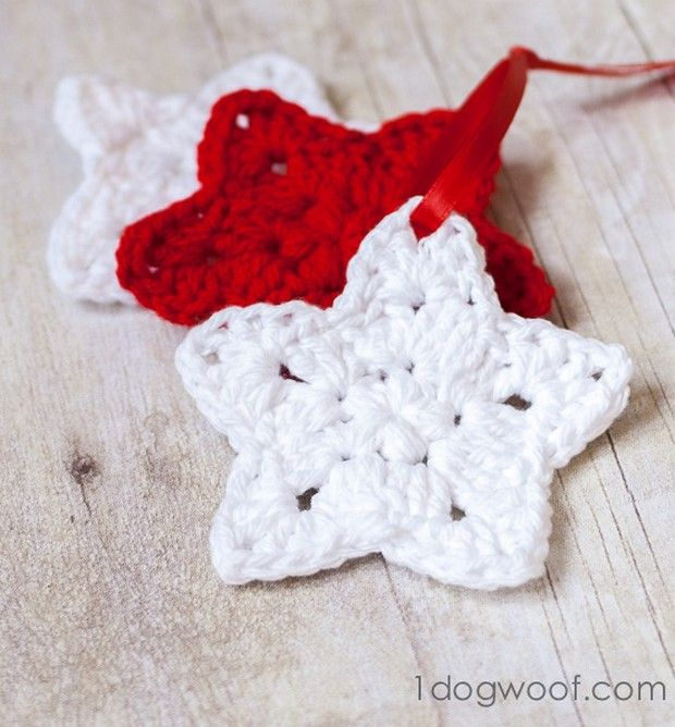 Such an elegant crochet ornament! Simply beautiful! Just imagine a ...