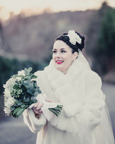 A Winter Vintage inspired DIY Wedding with a 1940\'s Wedding Dress ...