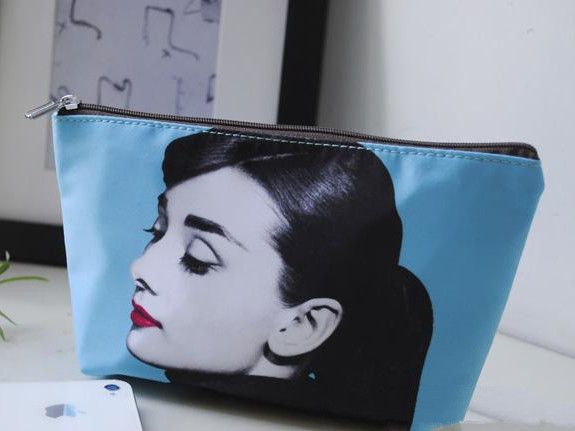 Cheap cosmetic bags and cases, Buy Quality cosmetic bags for travel directly from China handbags women bags Suppliers: Audrey Hepburn and Marilyn Monroe cosmetic bag Size :Length 21CM*Height 12CM*Width 6CM Design:Audrey Hepburn&nbs