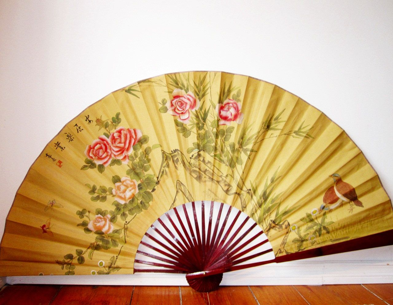 huge asian silk wall fan vintage decorative wall hanging on lacquered bamboo - Decorative Fans