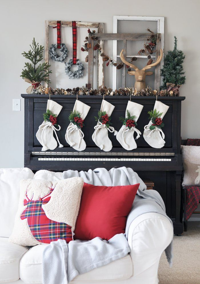 Christmas mantel decorating idea Navideño Pinterest Christmas
