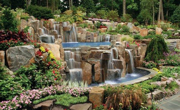 wassergarten pool steine wasserfall pflanzen sziklakert v zes ssel pinterest pools and garten. Black Bedroom Furniture Sets. Home Design Ideas