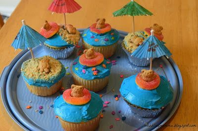 The Ultimate Pinterest Party - Week 158 | Dabblingmomma: Summertime Cupcakes