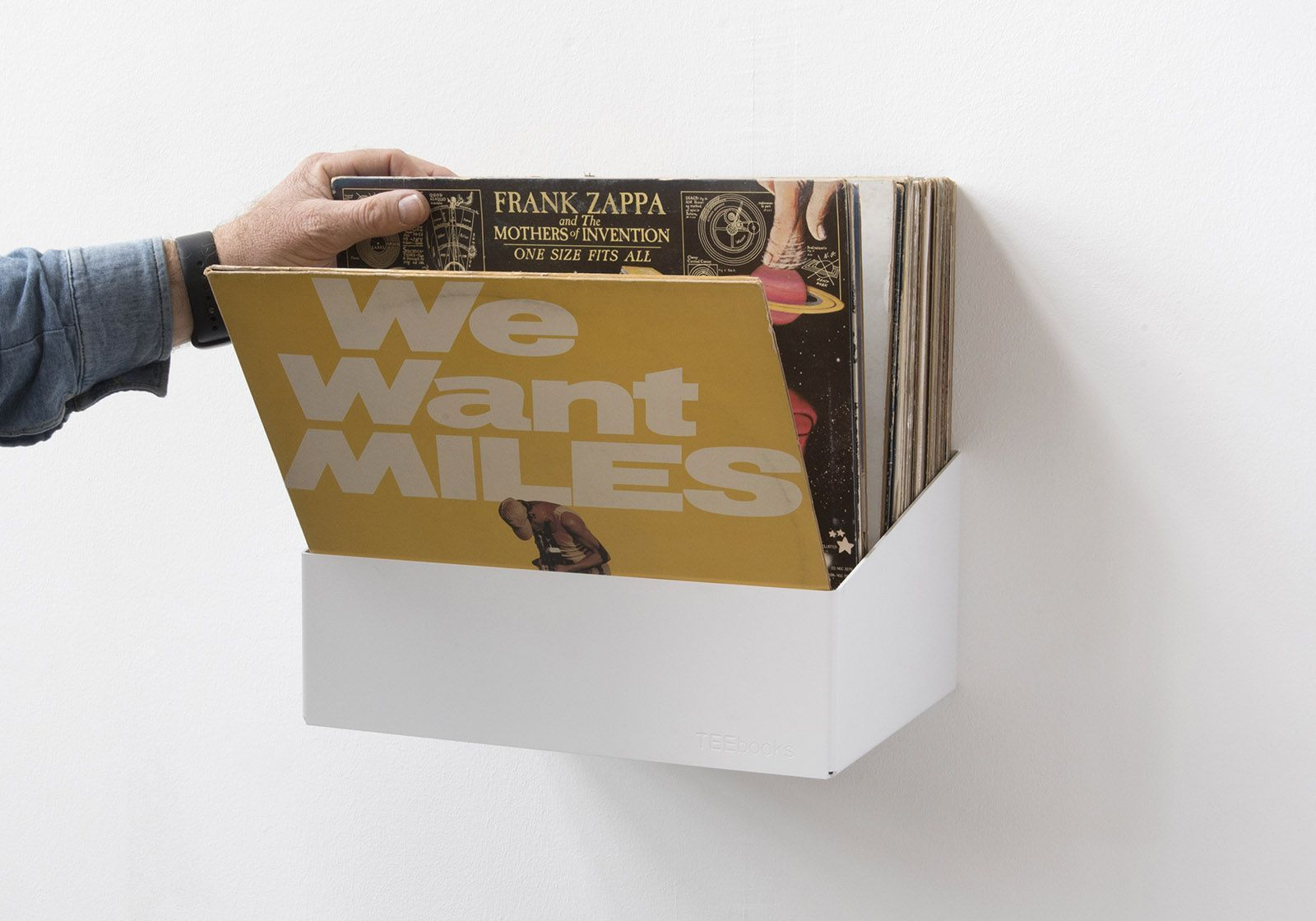 Show Off Your Records With This Wall Mounted Record Shelf