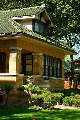 Better Known For Its Prairie Style Architecture In The Heart Of Frank Lloyd Wright Country Chicago Has Long Dismissed Endless Rows Brick Bungalows