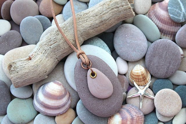 Photo of mink beach stone pendant 01