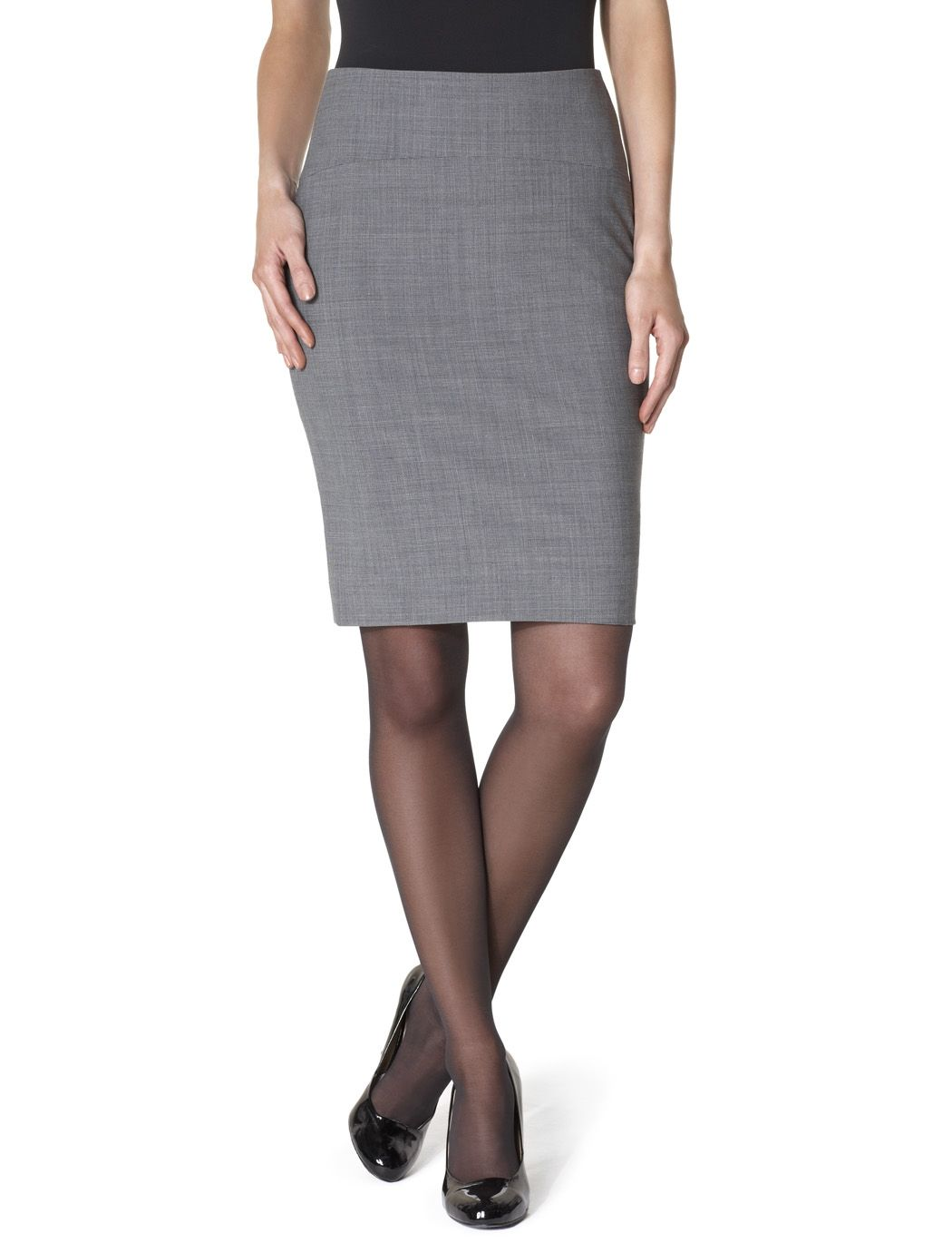 (What to wear to an interview) Appropriate stocking and shoe selections 7962e7b5f741
