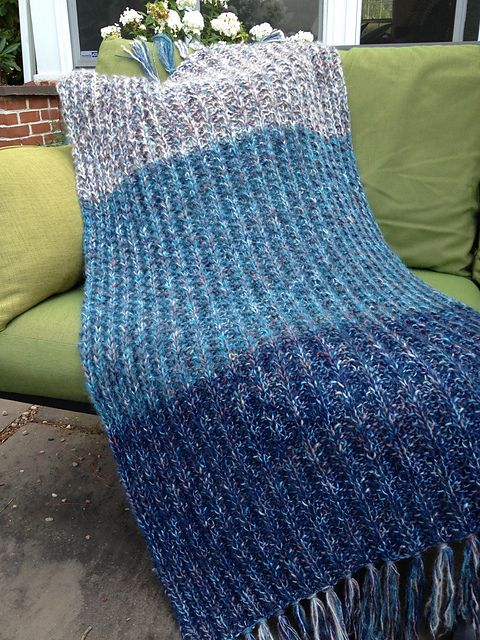 This is a simple but impressive one piece throw in an easy one-row ...