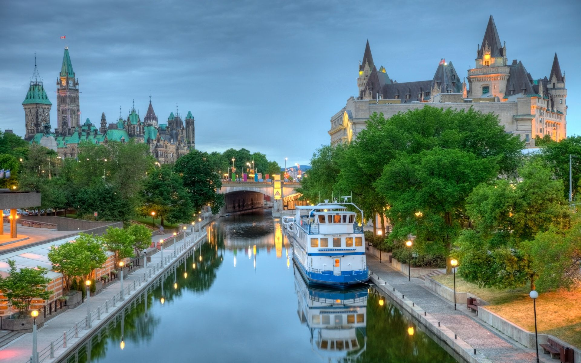 Scenic Canal Holidays for spring Rideau canal, Ottawa