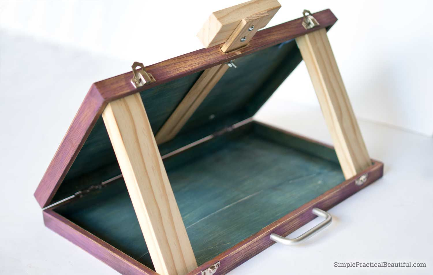 Make A Diy Portable Art Easel Out Of An Old Wood Case Art