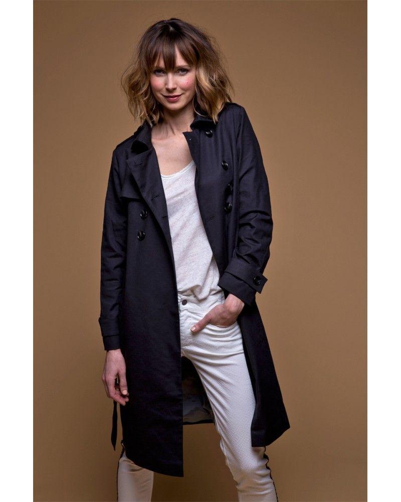 be0c508017 Toujours actuel, le #trench-coat #noir est un basique! | Le Trench ...