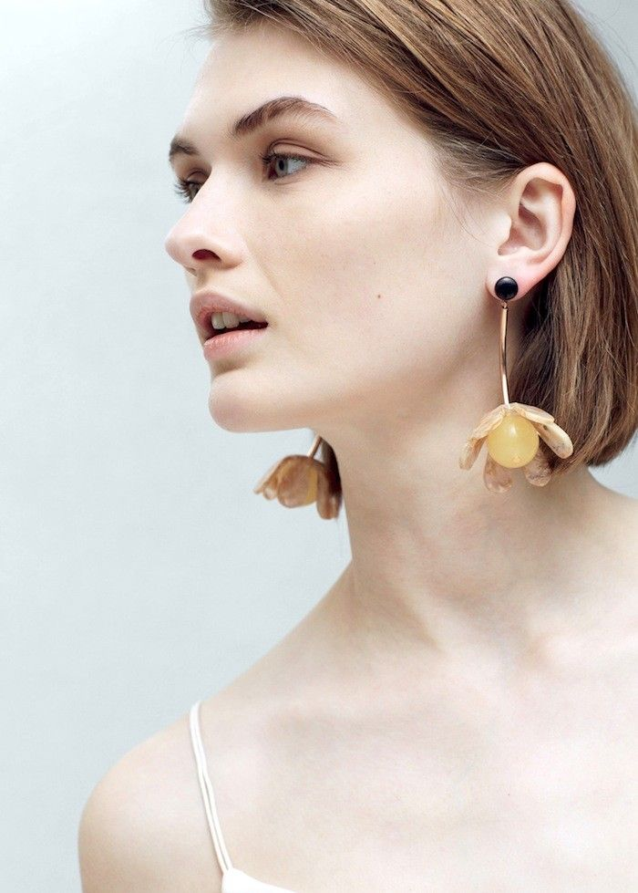 5 Incredibly Chic Takes On The Statement Earrings Trend Via Whowhatwear